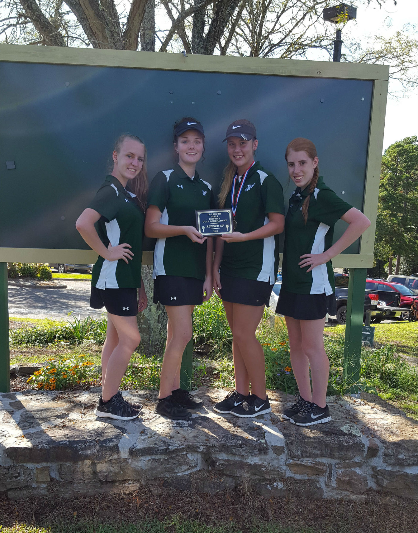 Girls Golf Team finishes 9th in State